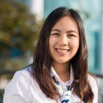 曼谷哈罗国际学校的女孩自信微笑