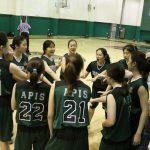 亚太国际学校的学生准备开始篮球比赛
