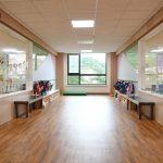 韩国国际学校板桥校区的教学楼走廊