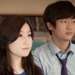 光州外国学校的学生认真听老师讲话
