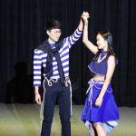 首尔国际学校的学生表演舞蹈