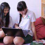 ABC国际学校的学生们在寝室学习
