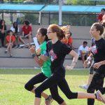 拉各斯美国国际学校的学生在跑步