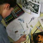 布里兰特蒙特国际学校的学生画画