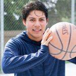 布里兰特蒙特国际学校的学生打篮球