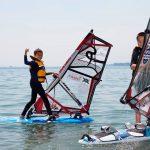 布里兰特蒙特国际学校的学生驾驶帆船