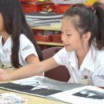 河内英国越南国际学校的学生在画画