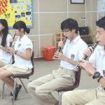 河内英国越南国际学校的学生练习长笛