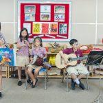 河内英国越南国际学校的学生练习各种乐器