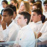 瑞士GEMS世界学院的学生认真听课