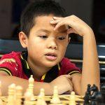 胡志明市德国国际学校的学生下国际象棋