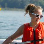 苏黎世跨社区学校的学生划船