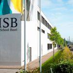巴塞尔国际学校的教学楼和旗帜