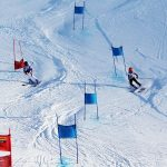 楚格和卢塞恩国际学校的学生滑雪