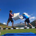 阿尔卑斯卓士学校的学生进行有趣的体育活动