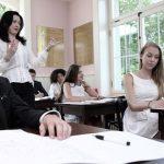 罗森堡学院的老师上课