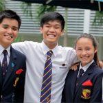 英华国际学校的学生在校园合影