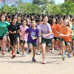 布兰克森霍尔亚洲学院的学生开始长跑比赛