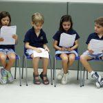 Invictus国际学校的小朋友朗读自己的文章