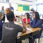 阿比让国际社区学校的学生在课堂上
