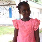 阿比让国际社区学校的穿着粉色衣服的小女孩