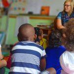 基加利国际社区学校的老师给学生上课