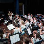 林肯社区学校的乐队演奏