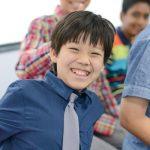 海外家庭学校的学生开心大笑