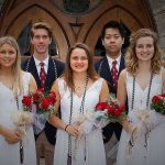 嘉德圣玛丽森林城市学校校园的学生在毕业舞会上