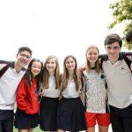 斯坦福美国国际学校的学生宣传照