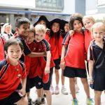 斯坦福美国国际学校的学生参加户外活动