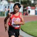 亚的斯亚贝巴国际社区学校的学生在田径场跑步
