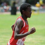 亚的斯亚贝巴国际社区学校的学生在田径场跑步比赛